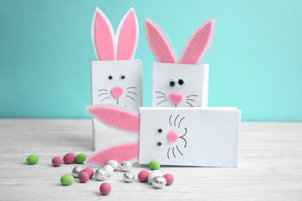 lapin de pâques carton feutrine