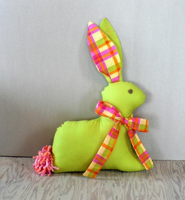 lapin de pâques coloré diy textile