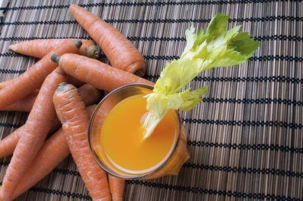 nettoyage du côlon par des plantes carottes et ail