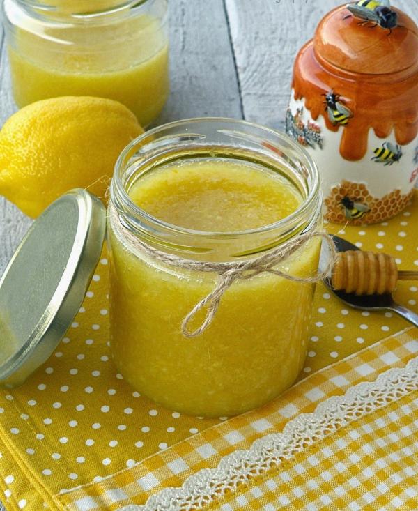 nettoyage du côlon par des plantes citron et miel
