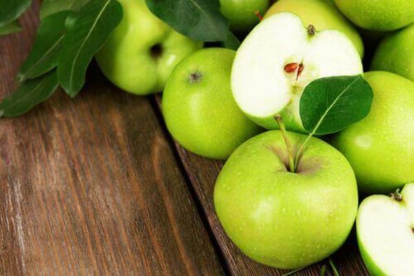 nettoyage du côlon par des plantes manger des pommes