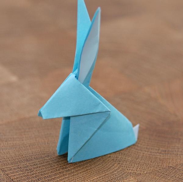 origami fleurs et animaux de printemps lapin bleu