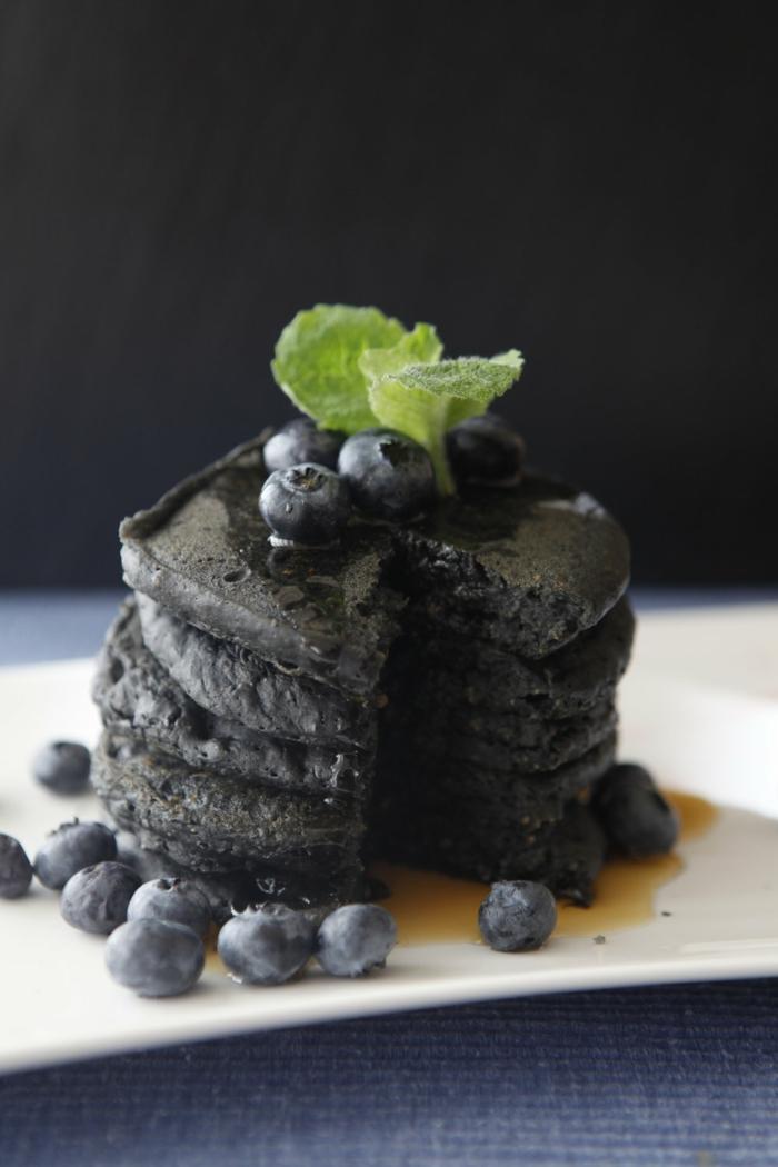 pancakes au charbon végétal