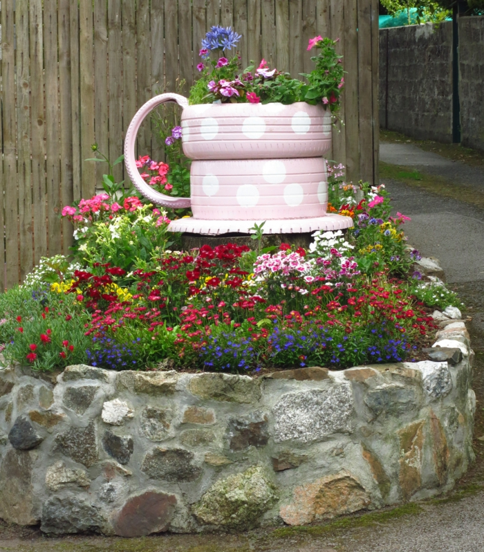 D co jardin r cup id es pour donner une seconde vie aux objets - Idee recup deco jardin ...