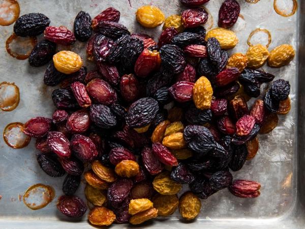 raisin sec séché dans le four