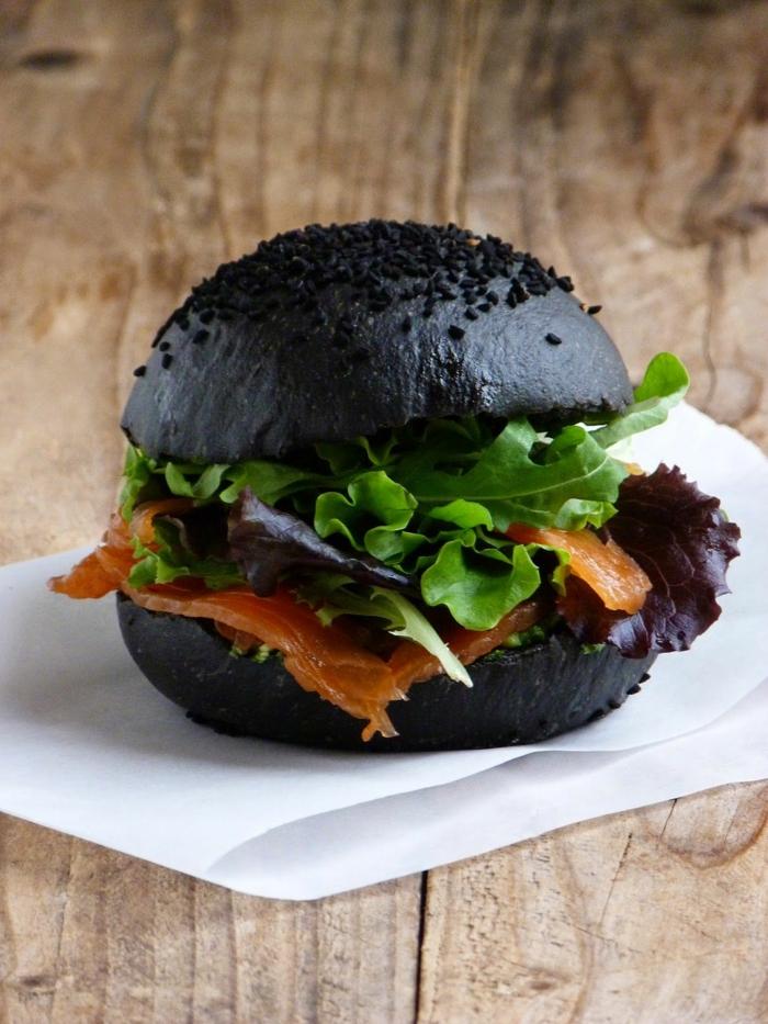 sandwich au charbon végétal