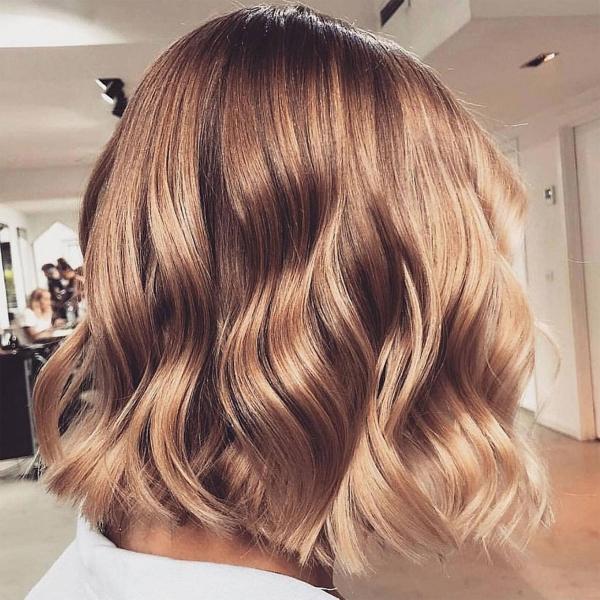 tendance couleur cheveux printemps 2019 entre le blond et le brun