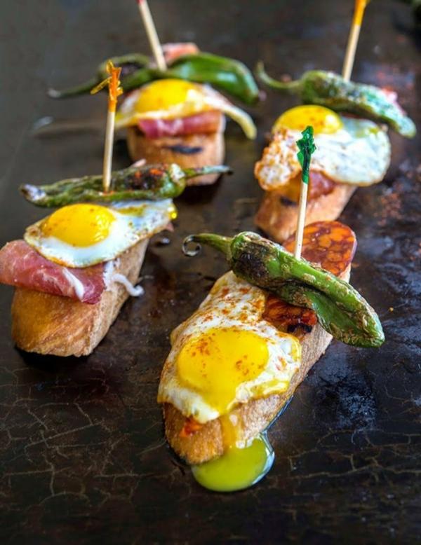 Brochette apéro - 70 idées de recettes qui mettent de l'eau à la bouche Chorizo jambon Serrano oeufs
