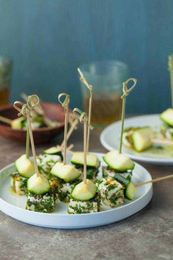 Brochette apéro - 70 idées de recettes qui mettent de l'eau à la bouche fromage feta aux épices concombre