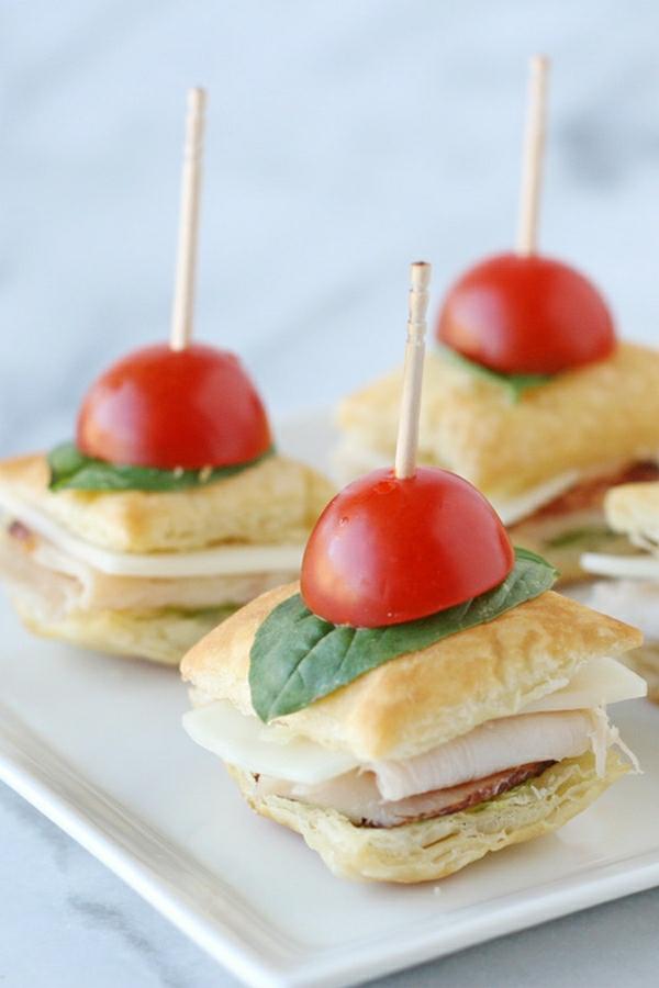 Brochette apéro - 70 idées de recettes qui mettent de l'eau à la bouche pain jambon tomates cerises basilic