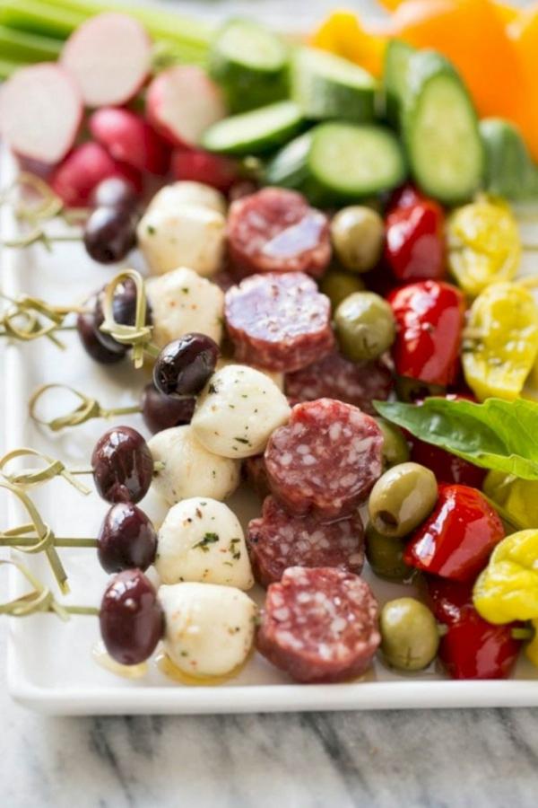 Brochette apéro - 70 idées de recettes qui mettent de l'eau à la bouche saucisson légumes fromage