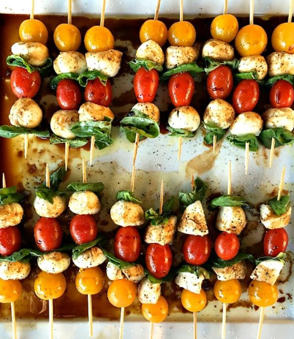 Brochette apéro - 70 idées de recettes qui mettent de l'eau à la bouche tomates cerises mozzarella basilic