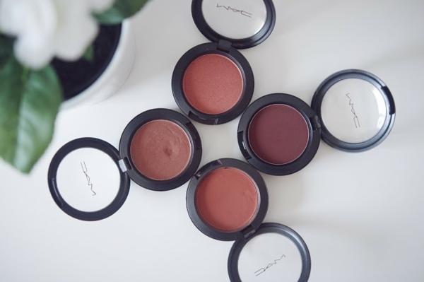 Contouring peau noire en 4 étapes faciles produits maquillage
