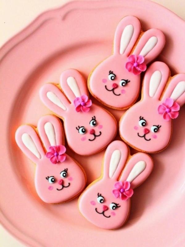 Pâtisserie lapin de Pâques - recettes faciles et beaucoup d'idées biscuit lapin de pâques glaçage rose