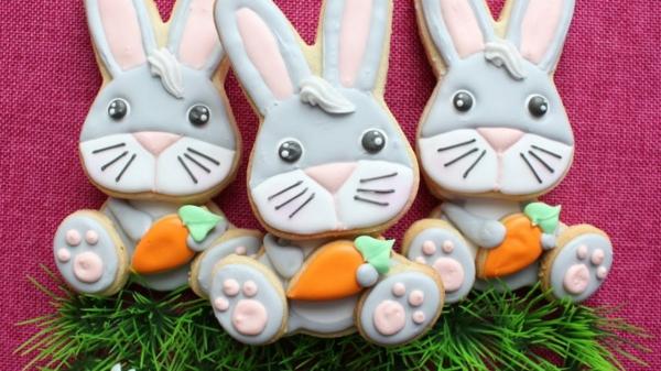 Pâtisserie lapin de Pâques - recettes faciles et beaucoup d'idées petits lapins biscuits avec glaçage
