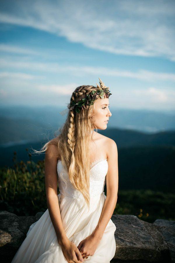 coiffure mariage tresse classique tombant cheveux longs