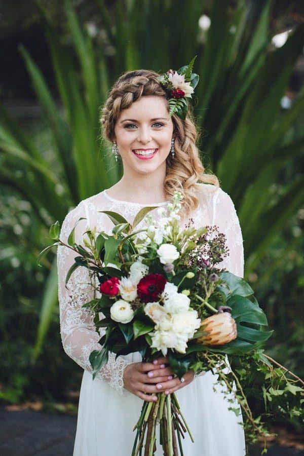 coiffure mariage tresse couronne épaisse et boucles