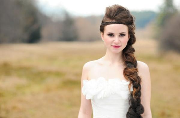 coiffure mariage tresse latérale volumineuse diadème