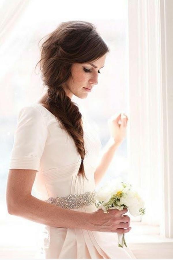 coiffure mariage tresse latérale torsadée