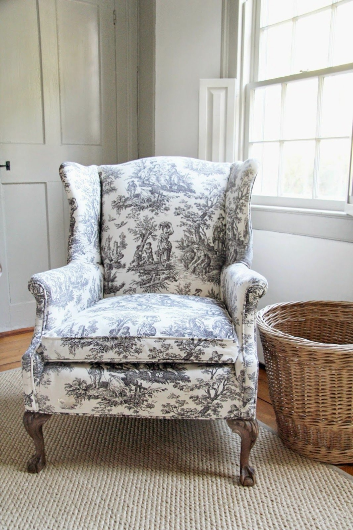 fauteuil en toile de jouy