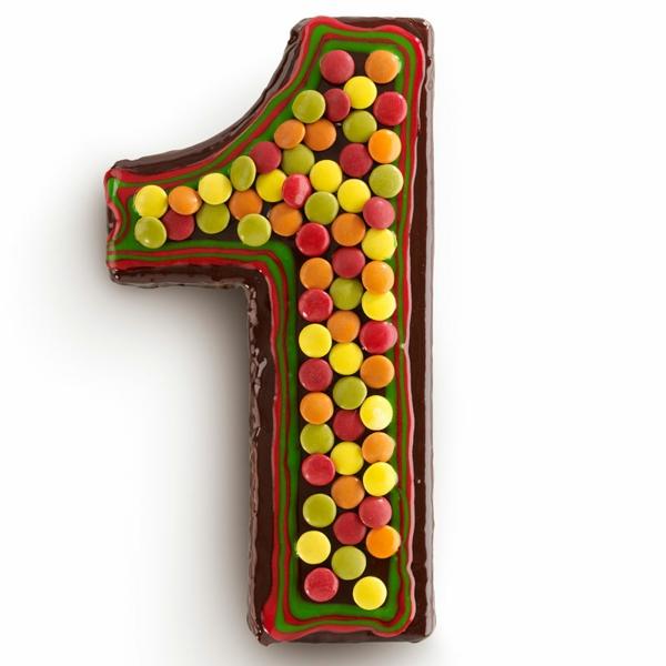 gâteau chiffre 1 anniversaire bonbons glaçage chocolat