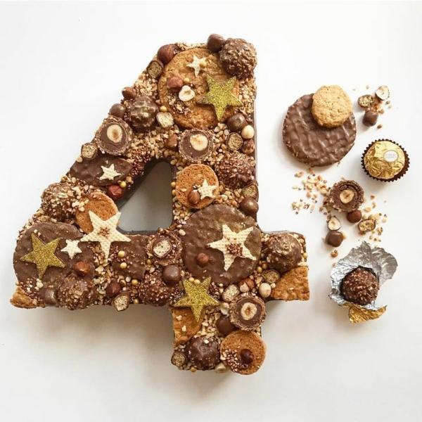 gâteau chiffre 4 anniversaire bonbons biscuits