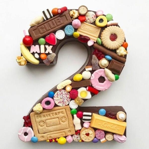 gâteau chiffre anniversaire enfant biscuits candy