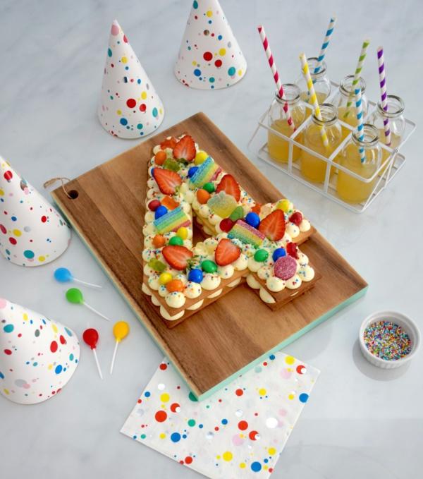 gâteau chiffre anniversaire enfant fraises candy