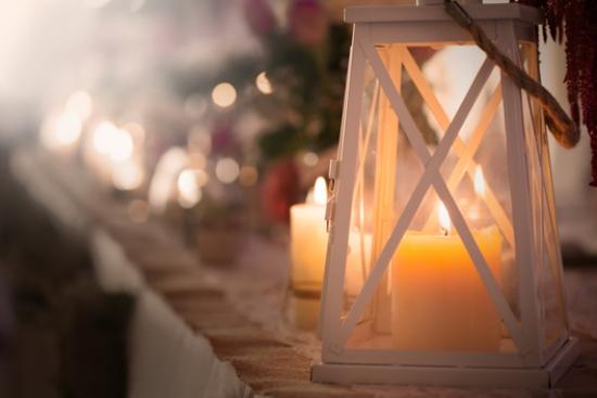 instaurer le bien-être à la maison bougies et lanternes