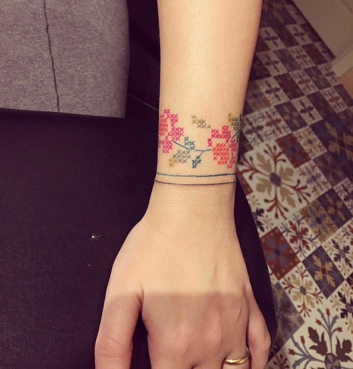 joli tatouage broderie