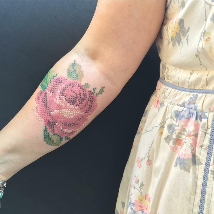 mode 2019 tatouage broderie