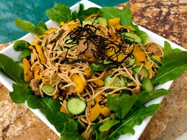 recette salade d'algues et de nouilles végan