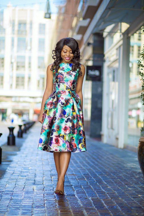 robe invitée mariage tendances 2019 jupe trapèze colorée sans manches satin