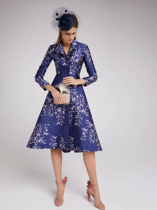 robe invitée mariage tendances 2019 jupe trapèze violet motifs végétaux manches longues