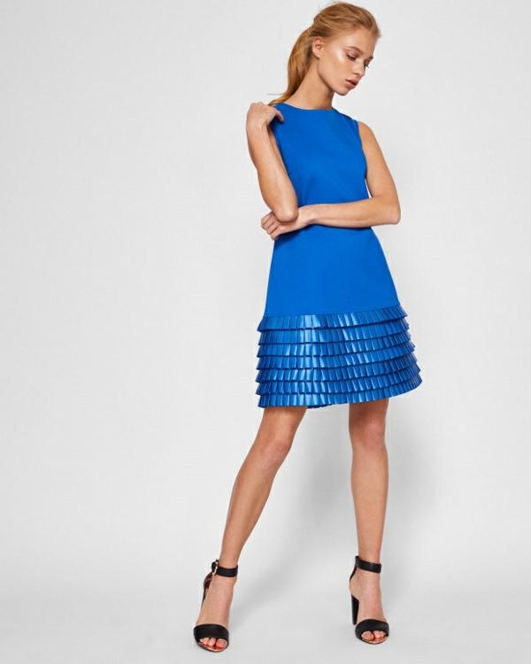 robe invitée mariage tendances 2019 mini robe bleu royal ourlet volanté