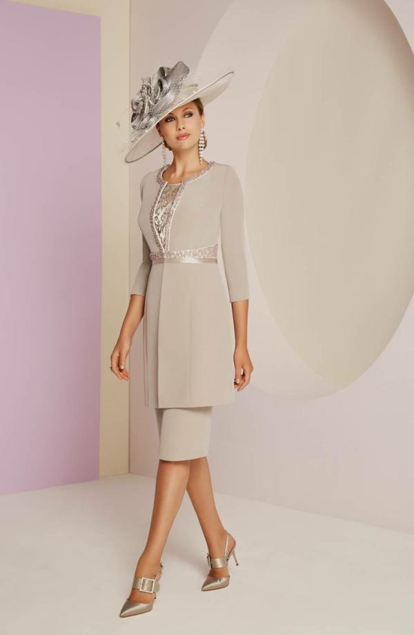 robe invitée mariage tendances 2019 robe élégante gris pâle double épaisseur broderie argentée