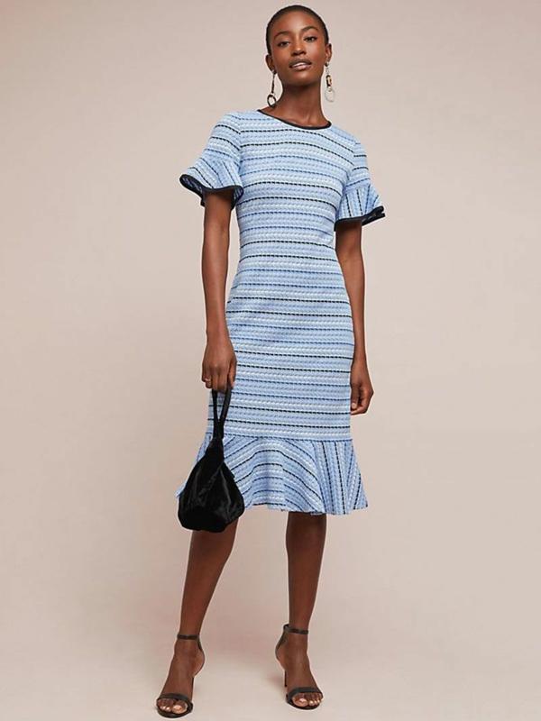 robe invitée mariage tendances 2019 robe bleu ciel motif rayé manches courtes