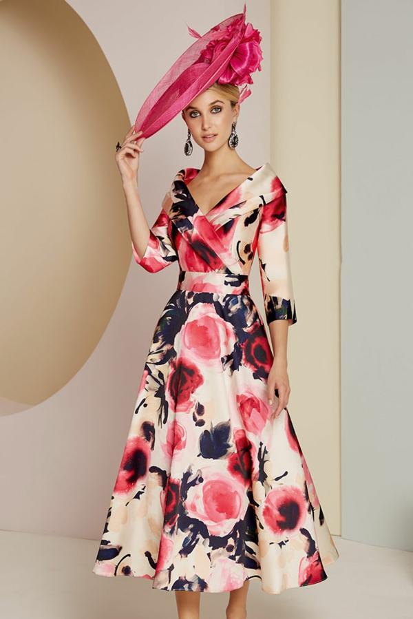 robe invitée mariage tendances 2019 robe decolletée jupe trapèze motif floral manches longues