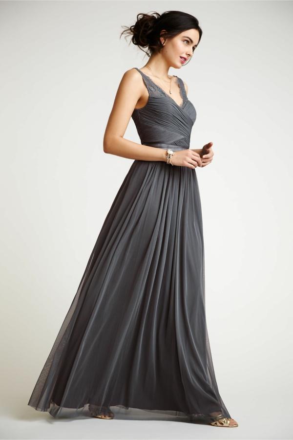robe invitée mariage tendances 2019 robe féérique gris anthracite à bretelles longueur ras du sol