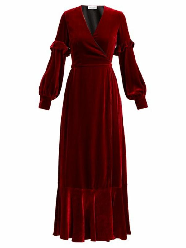 robe invitée mariage tendances 2019 robe velours canneberge manches longues décolleté plongeant