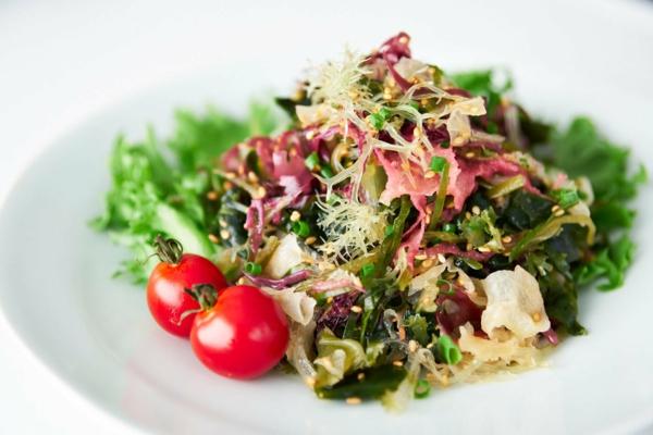salade d'algues recette de salade d'algues à la vinaigrette et au gingembre