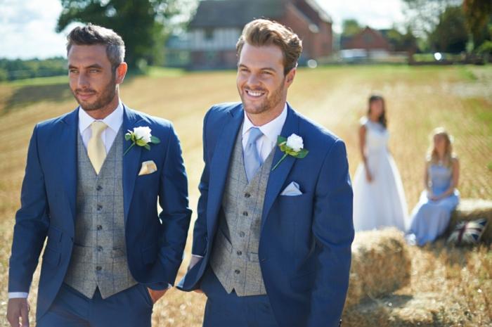 tenue mariage homme en bleu marine