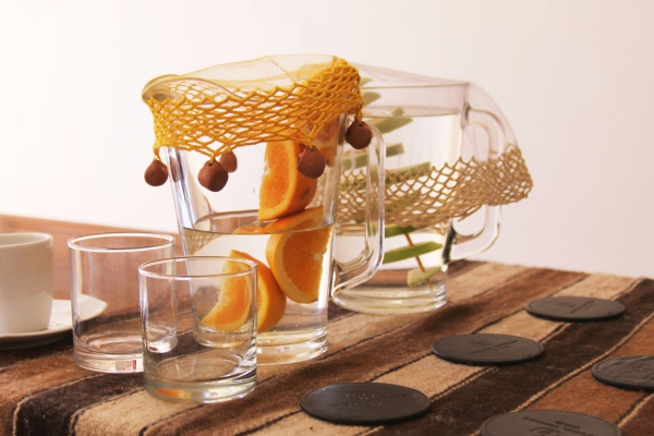 verre d' eau chaude le matin des verres pour la famille
