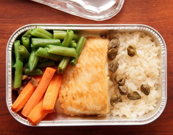 10 conseils pour survivre sur les vols long-courriers nourriture