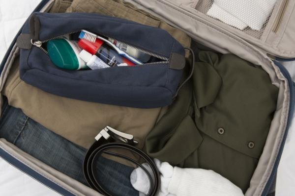 10 conseils pour survivre sur les vols long-courriers préparer le bagage