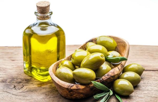 12 astuces malignes pour chasser les taupes du jardin au naturel huile d'olive