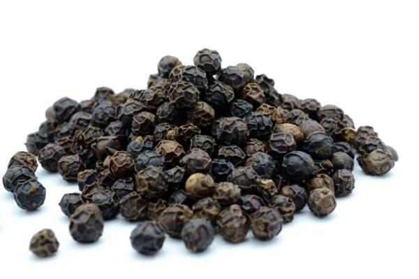 12 astuces malignes pour chasser les taupes du jardin au naturel poivre noir