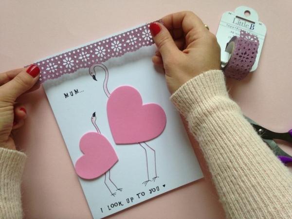 Carte Fête des Mères originale à fabriquer vous-même carton papier adhésif décoratif