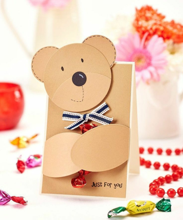 Carte Fête des Mères originale à fabriquer vous-même diy ours en carton