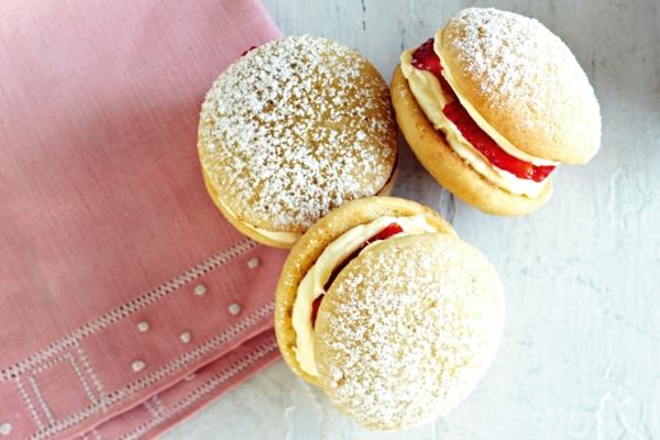 Recette whoopies - préparer les gâteaux sandwiches à la crème moelleuse whoopies à la fraise